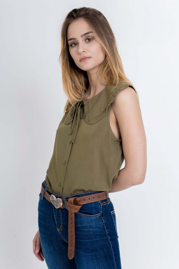 Shirt with a wide collar