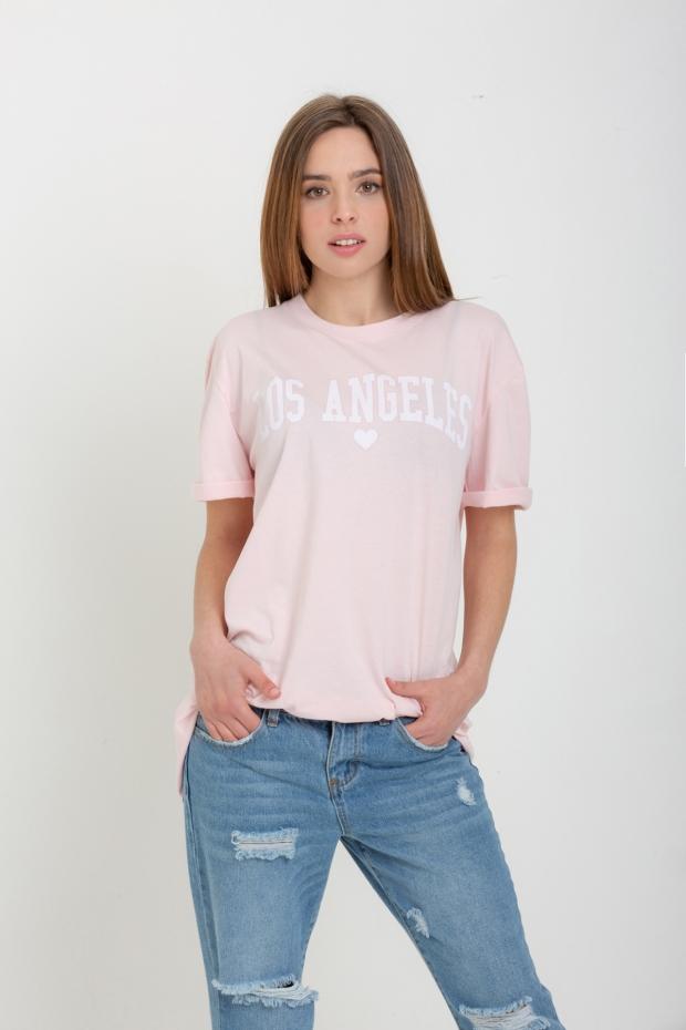 T-shirt over con scritta
